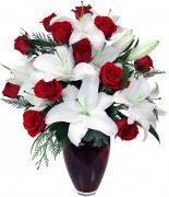 dozen-roses-with-lilies